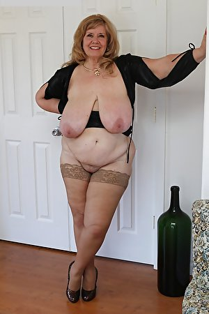 Mature girls with big breasts