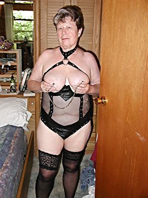 German mature prostitute enjoying fucking