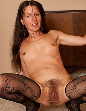 Hairy pussy amateur old ladies posing on cam