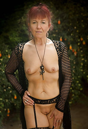 Sensual old mommies posing fully undressed