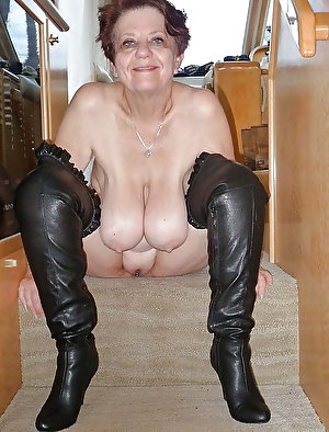 American mature females with enormous titties