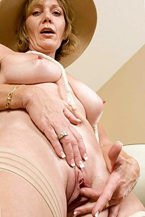 Pretty old mistresses giving blowjob