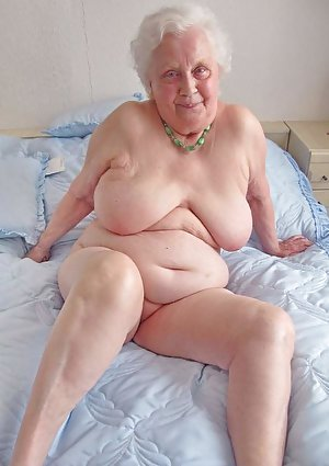 Good old nudes with the spiciest naked grannies